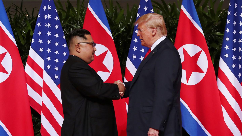 Donald Trump arrive à Hanoi pour son deuxième sommet avec Kim Jong Un